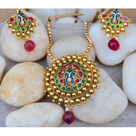 Multicolor Dancing Peacock Kemp Pendant Set