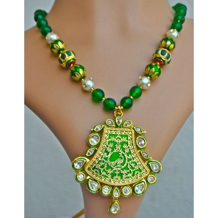 Green Thewa Necklace