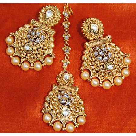 Ornamental Polki Diamond Pearl Dangler With Maang Tikka