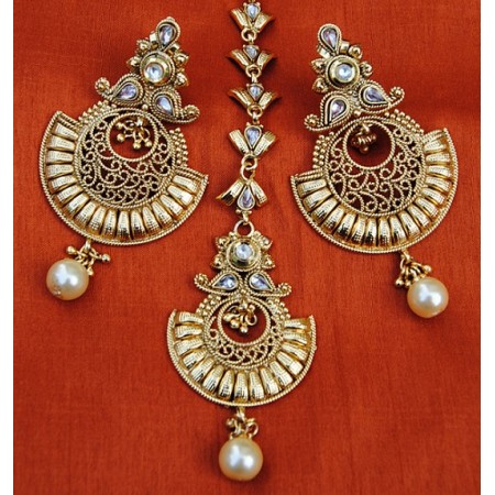 Gold Filigree Chand Bali Earrings With Maang Tikka