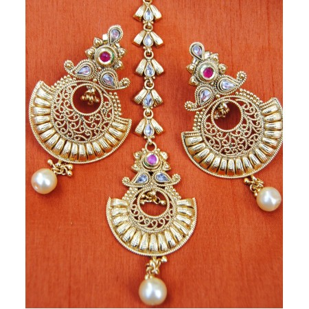 Gold Filigree Red Chand Bali Earrings With Maang Tikka