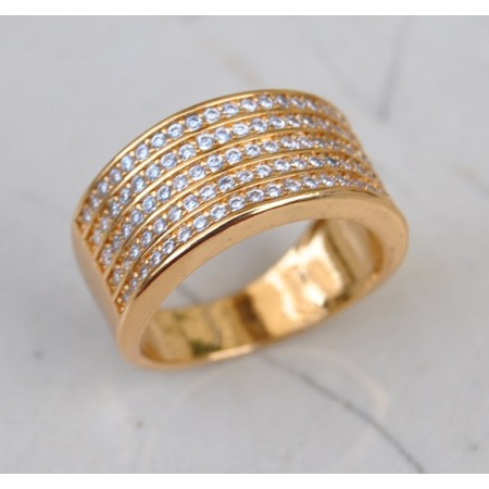 Diamond Studded  18K Gold Ring
