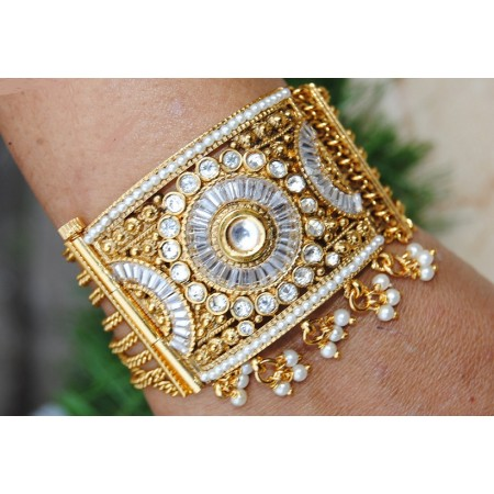 Designer Bracelet with Kundan and White Crystals