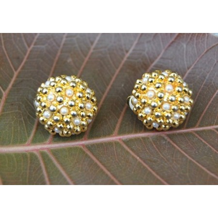 Delicate Pearl and Gold Beads Stud