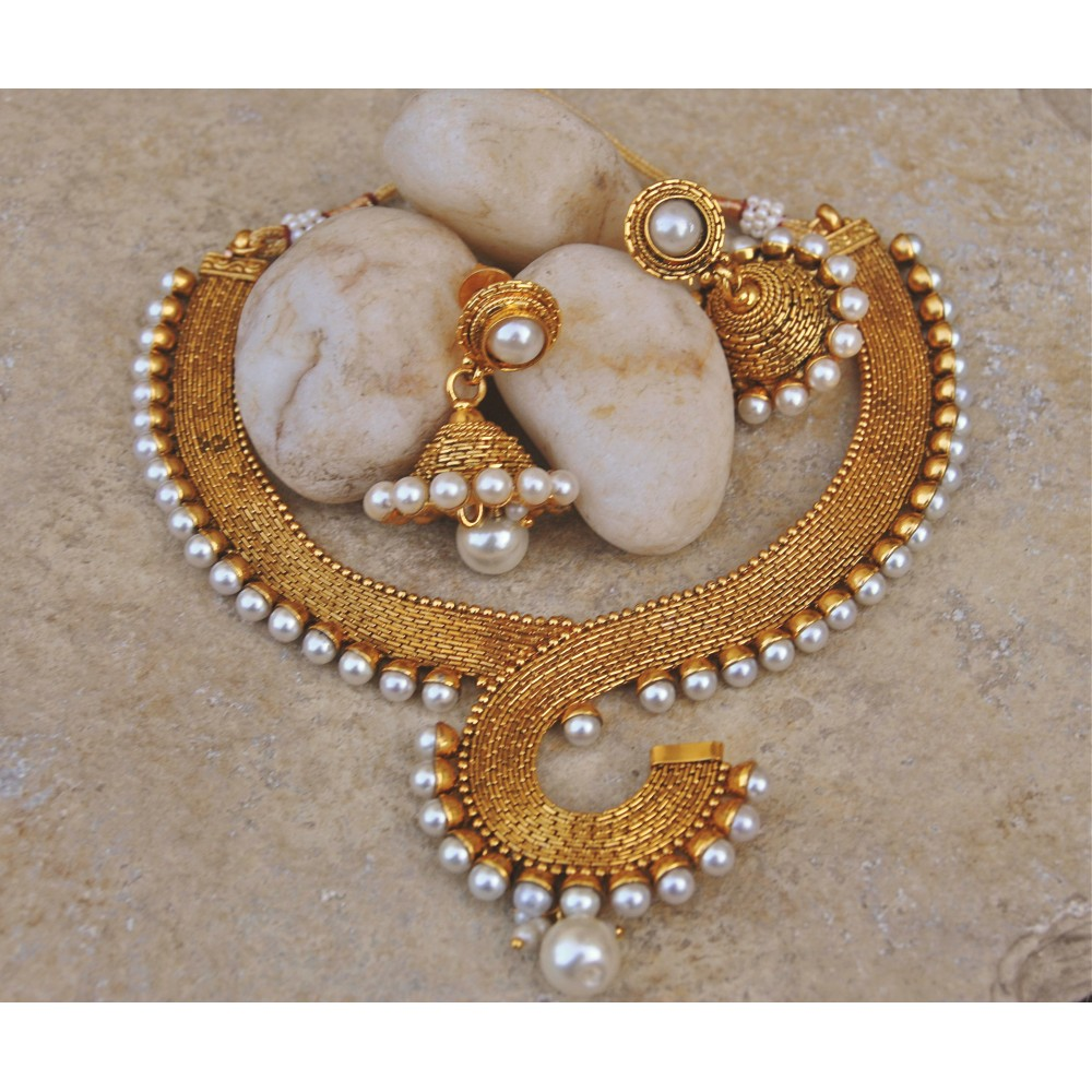 27d04002618a6 Antique Pearl Necklace Set with Jhumkas